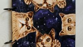 Блокнот из дерева 16х16см ′Звездные коты′