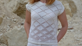 Блузка зв′язана гачком