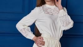 Блузка з вставками ручної роботи