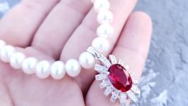 Кольє з натуральних перлів з підвіскою