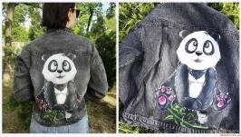 тут изображено Куртка ′с Пандой′ Распишу Вашу джинсовую куртку. Любой рисунок на заказ