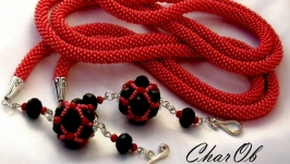Lariat ′Cherry on the cake′ red cord from beads