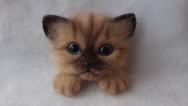 Брошь котенок