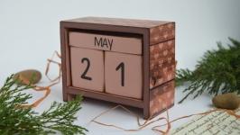 Вічний календарик ′Wooden′