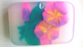 Мыло с фиалками с цветочным ароматом