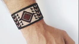 Мужской кожаный браслет с вышивкой ′DanSo′