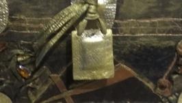 Сундучок- шкатулка ,отделка кожей