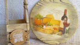 Сервировочная сырная доска ′Сырное изобилие′.