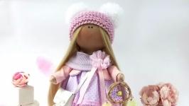 Кукла текстильная в шапочке