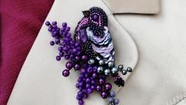 Брошь птица из бисера фиолет