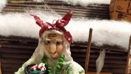 тут изображено Ватная новогодняя игрушка на елку Баба Яга