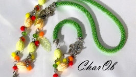 Necklace and bracelet ′Spring′. Decoration green, Set