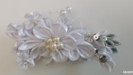 Свадебная заколка для невесты ручной работы из атласных лент и бусин
