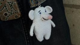 Амигуруми игрушка Белая Мышь - брелок на сумку или ключи, подвеска в авто