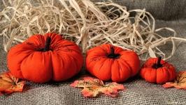 тут изображено Оранжевые текстильные тыквы. Осенний декор. Осенняя поделка