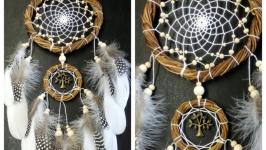 Ловец снов из ивы, перо цесарки, натуральные материалы.