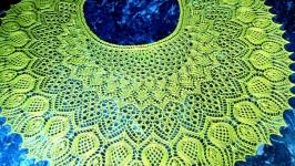Ажурная шаль из шерсти с бисером
