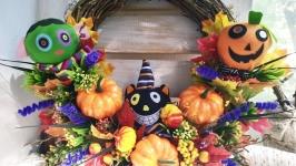 Декоративный венок на Хэллоуин