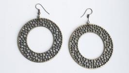 Крупные серьги кольца с латунным покрытием.
