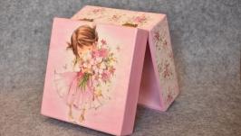 Скриня ′Дівчина′