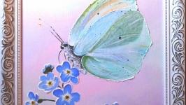 Бабочка. Незабудки.