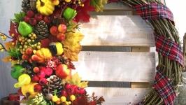 Осінній декоративний вінок на двері