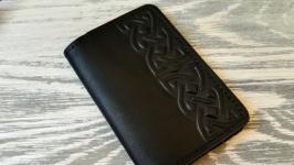 Кожаная обложка черная на ID паспорт чехол для прав с тиснением кельтский