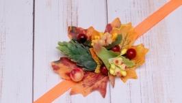Браслет на руку с осенними листьями