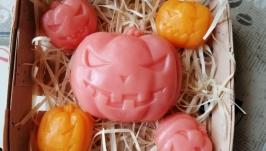 тут изображено   Сувенирныйподарочный набор мыла для рук на Хэллоуин ′Тыквы′