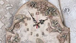 Часы настенные ′Цветущий сад′. В наличии.