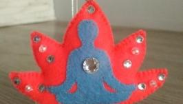 Сувенир - брелок для любителей йоги