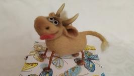 Валяный бычок. интерьерная игрушка