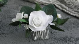 Гребень для волос с эвкалиптом и белыми цветами розы, гипсофилой, гортензии