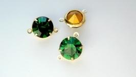 Соединитель со стразами на 2 нити зелёный турмалин в золоте