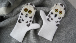 Felted mittens Women′s wool mittens Owls Mittens White Owls gloves