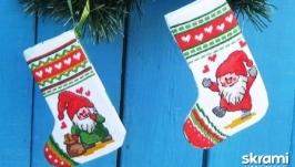 Новогодние носки для подарков ′Веселые гномы′