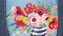Косметичка с вышивкой «Цветочные краски»
