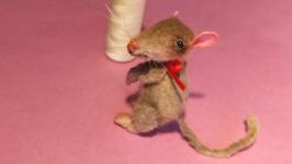Миниатюрная мышка