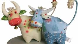 Пара бычков игрушек