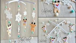Детский мобиль Новогодний с Оленем и снежинками