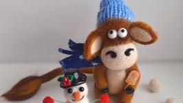 Валяная игрушка Бычок и снеговик .Бык символ 2021 года.