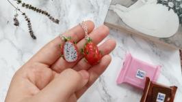 Парні кулони половинки пітахайї,  фрукти, кулони для закоханих або друзів