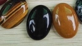 Кабошон черный агат
