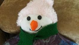 Декоративная подушка-снеговик