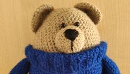 Мишка в синем свитерке