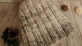 Вязаная шапка из толстой пряжи