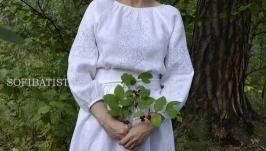Белое платье с нежной вышивкой ′белым по белому′