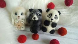 Валяная панда- брошка из натуральной шерсти.