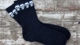 Шкарпетки з черепами