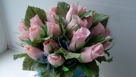 тут изображено Сладкие бутоны роз
